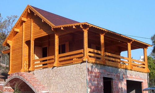 Casas de madera modelo levante big daype for Tejados de madera casas
