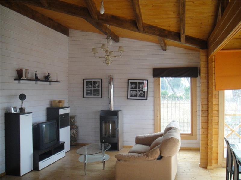 Casas de madera modelo francia ii daype for Terminaciones de techos interiores